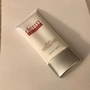 Other - derm EXCLUSIVE Facial Cleanser